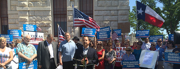 jonathan speaks at granbury rally (620-240)
